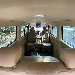 2020 Hyundai Grand Starex gold for rent reversible captains seat