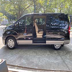 2020 Hyundai Grand Starex gold for rent right slide door