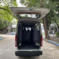 toyota hi-ace commuter cargo hold