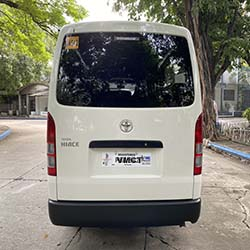 toyota hi-ace commuter rear view
